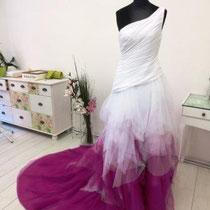 Brautkleid mit langer Riesenschleppe