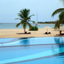 Bild: Pool am Strand