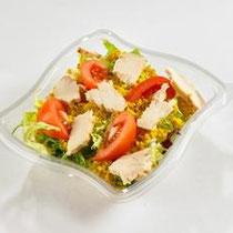 Généreux salde poulet semoule - Semoule aux épices du monde, émincés de poulet, tomate, salade