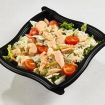 Authentique salade scandinave - Mini farfalle à la crème citronnée, effeuillé de saumon, tomates cerise, salade