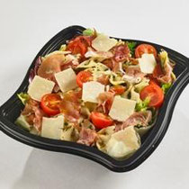 Authentique salade toscane - Farfalle aux tomates, jambon Serrano, parmesan, tomates cerises, salade#