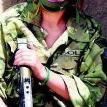 13 septembre 2011 - Cheryl rend visite aux troupes britanniques en Afghanistan.