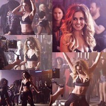 """05 juin 2014 - Montage des premières images du clip de """"Crazy Stupid Love"""" qui ont été dévoilées avant sa diffusion."""
