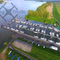 Luftbild - Yachthafen an der Elbe bei York