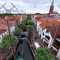 """Luftbild - Veranstaltung """"Sommerbrücke"""" der Hochschule21 in Buxtehude"""