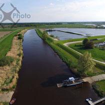 Luftbild - Fähre über die Oste in Brobergen
