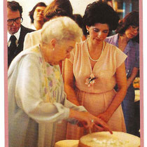 Ivy with Carol Weyland Conner - Glow mag.Nov.2003