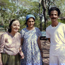 India - Mehera and Meheru with Dennis Shlaen
