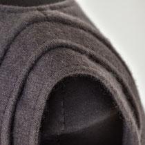 Ärmelpartie  aus graulilafarbenem Cashmere Oberteil
