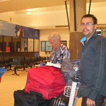 Josué et Christian à l'aéroport