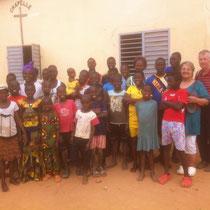 Photo de groupe avec les enfants