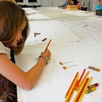 Zeichnen einer Filmfigur                                                                                                                       Deichtorhallen GmbH Foto Vera Kovalenko