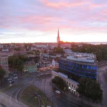 白夜のエストニア。22時を回っていてもこれです。