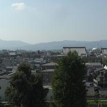 東本願寺より興正寺と西本願寺を望む