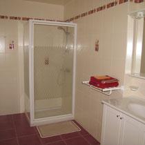 chambre Jehan des bois-salle de douche- maison d'hôtes de la groie l'abbé