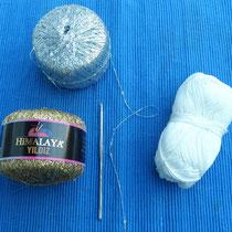 Material: weiße Baumwolle und Glitzergarn silber/gold