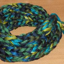 Fingerstrick-Loop in blau-grün (über 3 Finger gestrickt) - für EVA