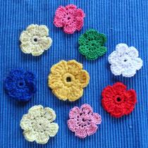 Häkelblumen - verschiedene Farben - verschiedene Garne