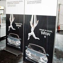 Digitaldruck kaschiert auf Alu-Panele - Motiv BMW mit Cirque du Soleil