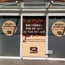 Kurzfristige Fensterabklebung wegen Renovierung - 4 Fensterflächen á 3 Fenster