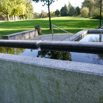 Wassertretbecken und Armbad in 94469 Deggendorf - Stadtpark (Foto LRA Deggendorf)