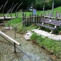 Kneippanlage in 83229 Aschau/Sachrang - Ökokulturweg zwischen OT Aschach und Ferienanlage Oberes Priental (Foto: Touristinfo Aschau/Sachrang)