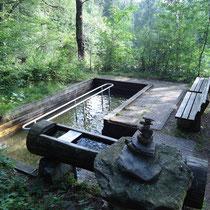 Kneippanlage in 94249 Bodenmais- Schloßereck- Wanderrundweg (Bild: Bodenmais Tourismus & Marketing GmbH)