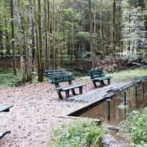 Kneippanlage in 94362 Neukirchen bei Bogen - Perlbachtal / Steinburg (Foto: Touristinfo Neukirchen)