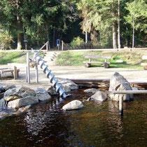 Kneippanlage in 94518 Spiegelau- beim Kurpark Schwarzachstraße - barrierearm (Foto: Tourist Info Spiegelau)