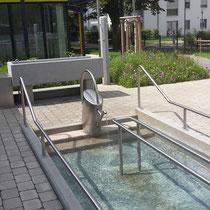 Wassertretbecken- neue Turnhalle- Schulstraße (Foto S.Seidl)