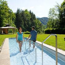 Wassertretbecken in 87629 Bad Faulenbach- nähe Füssen (Ostallgäu) (Foto: Füssen Tourismus u. Marketing)