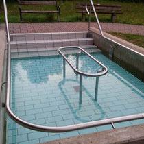 Wassertretbecken in 91583 Schillingsfürst- Hirtengäßchen