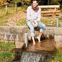 Wassertretbecken in 93462 Lam / Lambach – unterhalb Parkplatz Märchen- und Gespensterschloss (Bild: Touristinfo Lam)