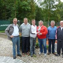 Die Sieger (von lks.: Dieter König, Ernst Kettler 3.Platz, Hartmut Reinbender 1.Platz, Dieter Gattermann 1.Platz, Gero Fröhlich 1.Vors., Harald Fieker Sportwart)