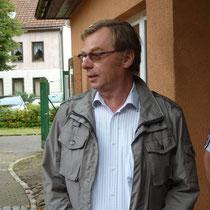 Dieter König begrüßt alle Teilnehmer.