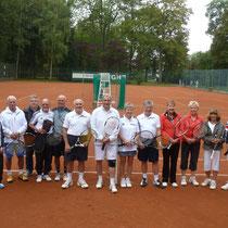 Die Teilnehmer des 4. VGH Cups. Sponsor und Leitung durch Roland Stahl inmitten der Aktiven