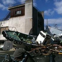震災後のLa Strada 前