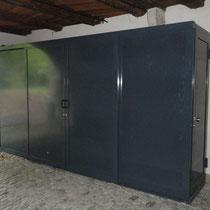 Entsorgungs-Schrank in historischem Gebäude