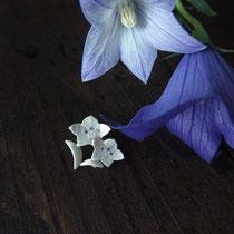 桔梗 ¥14040(税込) 石 カラーキュービック(ブルー)