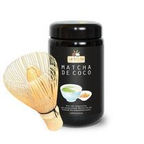Matcha-de-Coco Tee mit Bambusbesen