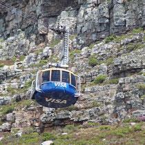Drehbahn auf den Tafelberg. Leider konnten wir nicht hinauf, da es immer entweder bewölkt war oder es windete so stark, dass die Bahn abgestellt wurde.