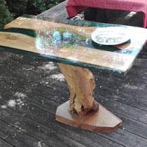 table de jardin bois et résine intégrée