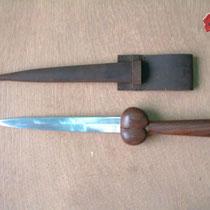 Women Bollock Dagger Réf.: GDFB/DG/003 Dague à couillettes pour dames 30 cm avec fourreau : Prix 38 euros