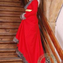 Robe Bourguignonne du dessus en laine avec bordures en fourrure Référence: WKWR0741 Prix: 419 €
