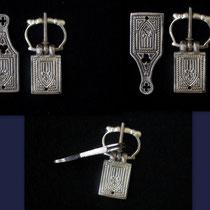 Boucle et bouterolle XIV-XVème - Boucle 50 x 20 mm Pendant 20x73mm Largeur de ceinture 20 mm  - Réf.: EBS-01 Prix: 15 €