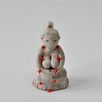 Protection, 2014, grès raku, cristal, H 13cm