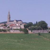 Le village Vernoux en Vivarais à 7 km de votre location.