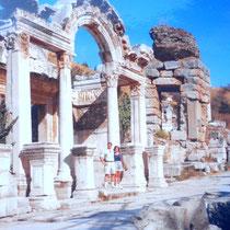 desde el Templo de Adriano en Efeso (Turquía)