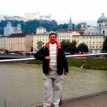 Skyline de Salzburgo desde el río Salzach