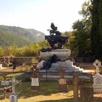 Mausoleo del Tenor Gayarre en pleno valle Roncal (Navarra)